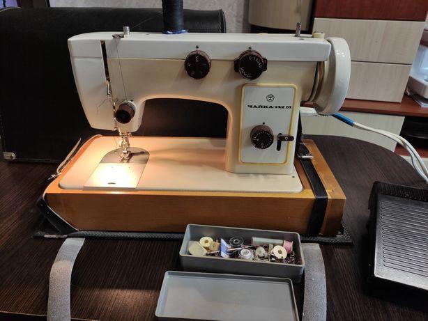 Швейная машинка Чайка в рабочем состоянии