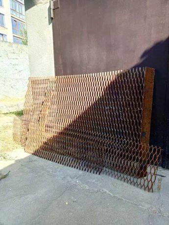 Продам металл насечка остатки, две полосы 0.3х1.6 м.