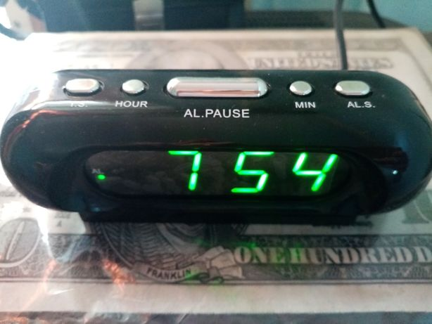 Часы будильник vst 716