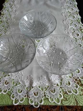 Kryształowe misy na sałatki