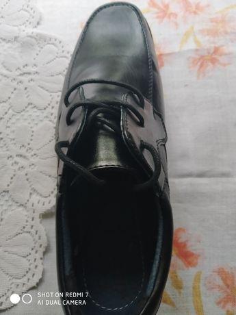Buty młodzieżowe