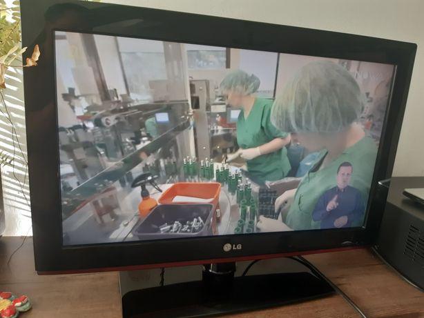 Telewizor LG 26 cali LED LCD HD wbudowany tuner DVBT, 2xHDMI