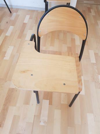 Krzesło z pulpitem