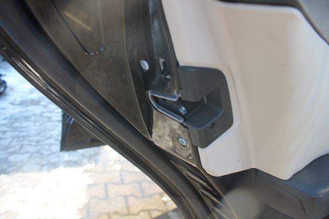 Zamek drzwi prawy lub lewy tył Mercedes W211 kombi rok 2007