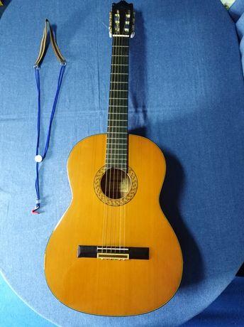 Guitarra clássica Ibanez.
