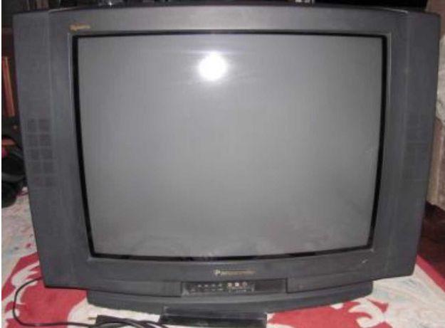 Stary pudełkowy Telewizor Panasonic Quintrix czarny