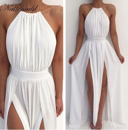 biała sukienka z rozcięciem