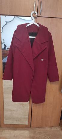 Продам пальто разные,разных размеров