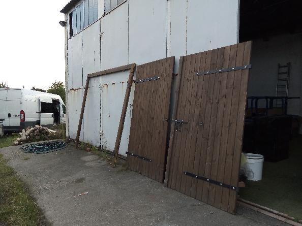 Brama garażowa drewniana, garaż