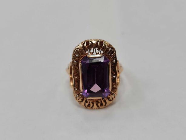 Warmet! Złoty pierścionek damski/ 585/ 9.80 gram/ R19/ II poł XX wieku