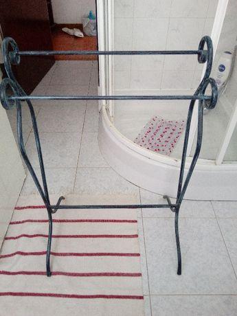 vendo 2 toalheiros tipo rústico