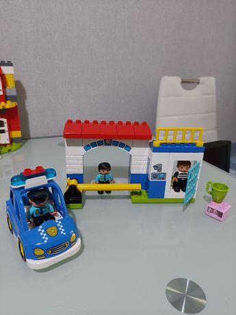 Lego Duplo Поліцейський участок