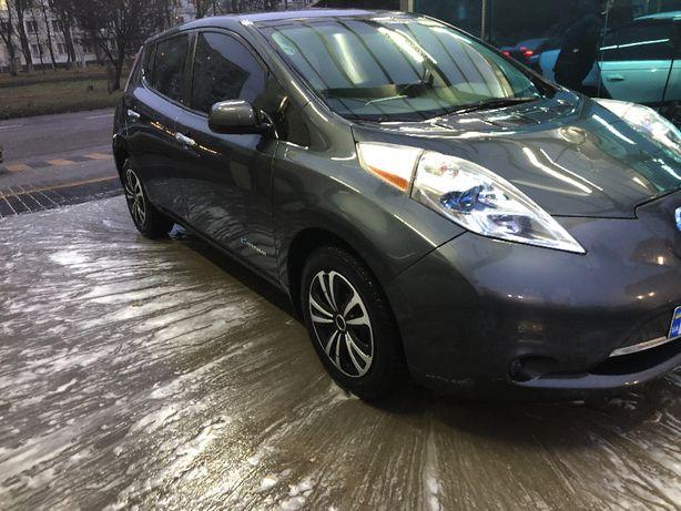 Продам Nissan Leaf S