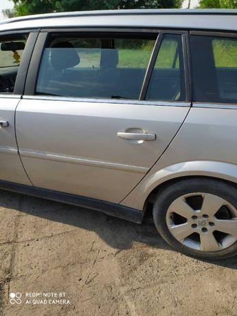 Opel Vectra C drzwi lewy tył