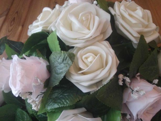 Продаж весільної прикраси на капот