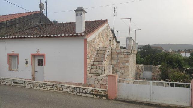 Casa de campo - Alentejo. Rio de Moinhos - Borba. Área total 252m2