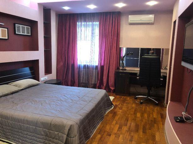 Голосеевский пр-кт,27 сдам 2х комнатную с очень хорошим ремонтом