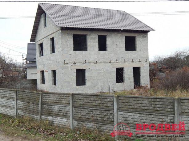 Дом-недострой в районе Старой Подусовки