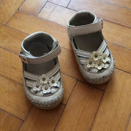 Туфлі, босоножки 19 розмір