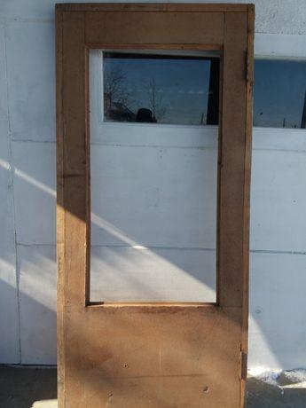 Двери деревянные новые