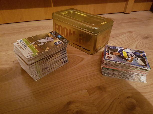 Karty Adrenalyn 365, 245 sztuk + box, pudełko