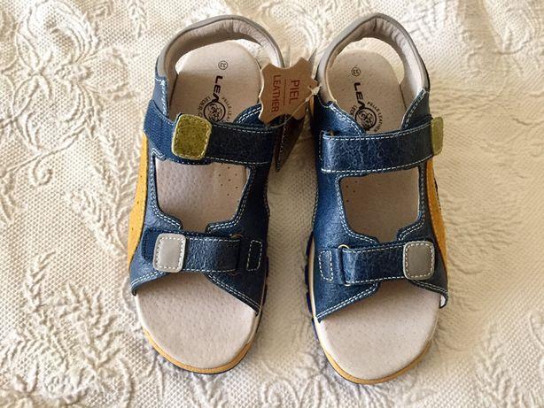 Sandalias em couro para menino