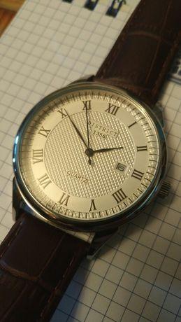 Часы District 1356