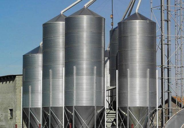 Silos silosy paszowe zbożowy do zboża sypkich agro met montaż BIN