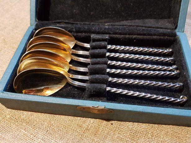 Старинный набор чайных ложечек.