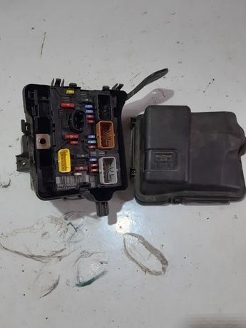 Modul skrzynka bezpieczniki 1.6 vti peugeot 207