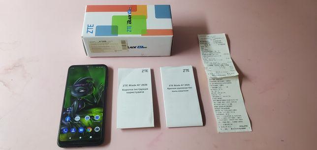 Телефон А7 как новый ещё на гарантии.
