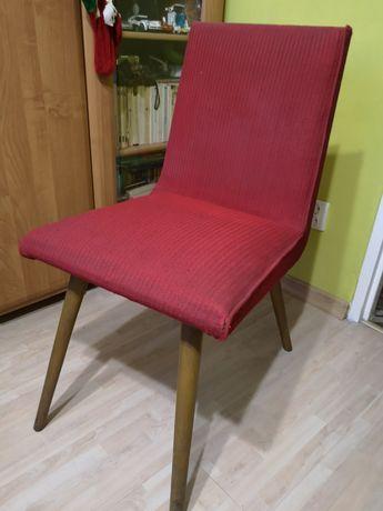 Krzesło zabytkowe z czasów PRL