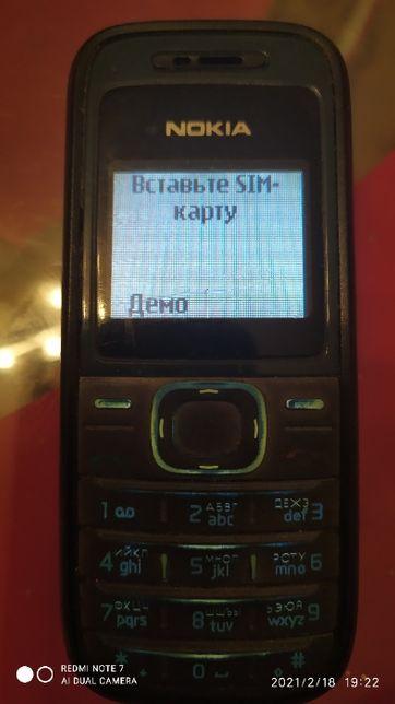 ретро-телефон Nokia 1208