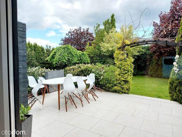 Dom wolnostojący z pięknym ogrodem, dla rodziny