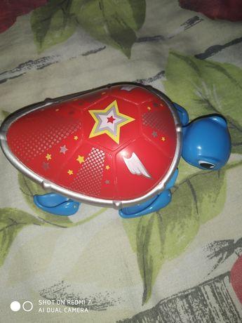 Игрушка  с моторчиком для ванной, плавает сама.
