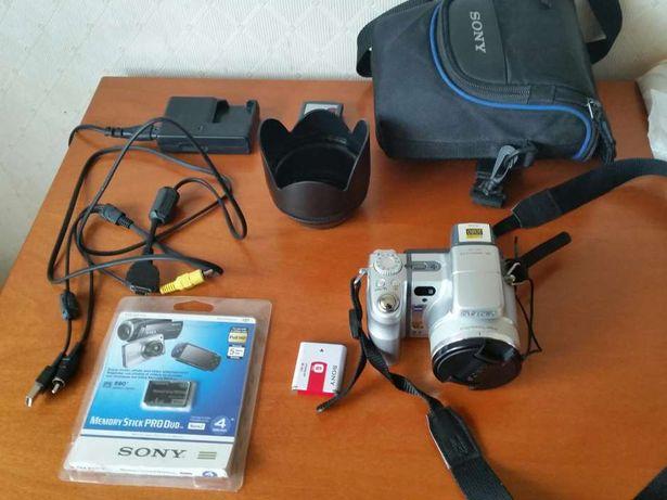 Цифровой фотоаппарат SONY Cyber-shot DSC-H9 made in Japan.