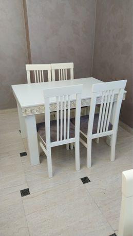 Продаються 20 гостинних столів та 80  крісел в ідеальному стані .