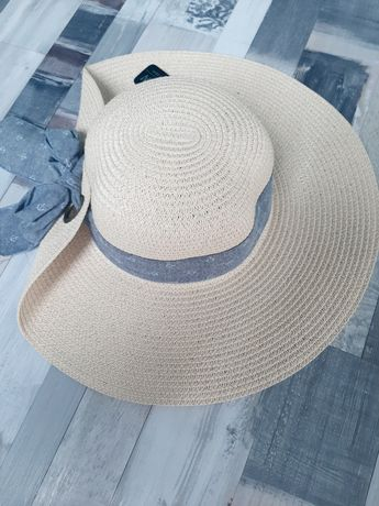 Beżowy letni kapelusz 56 cm