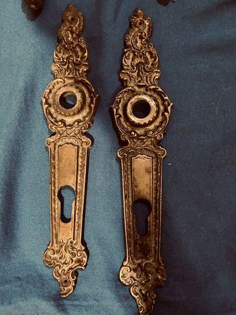 Mosiężne stare okucia klamki do drzwi