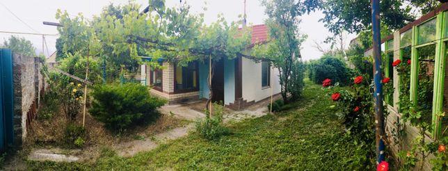 Продам два дома на одном участке Прилиманское