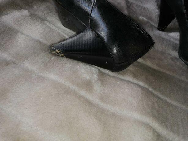 Sapatos pretos senhora