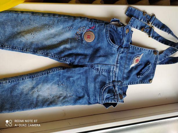 Продам детский джинсовый комбинезон