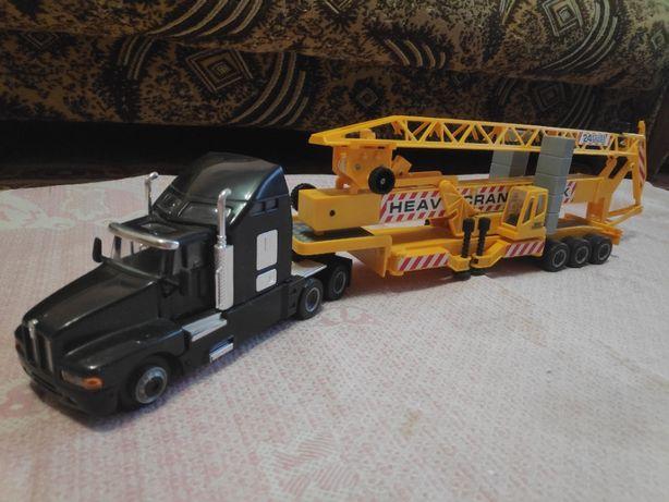 """Продаётся игрушка """"машина-кран"""" Have Crane Truck"""