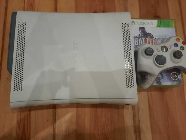 Xbox 360+4 gry i 1 kontroler