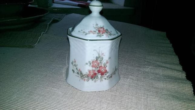 Piękna cukiernica kolumnowa porcelana Raphaela Winterling Roslau