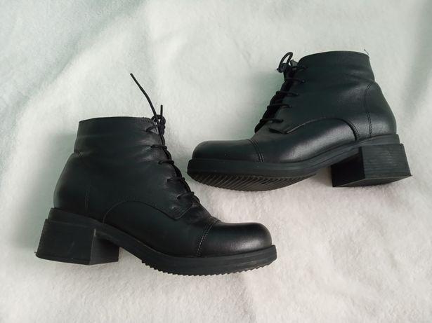 Стильні шкіряні ботиночки