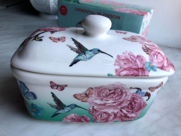 Маслёнка с цветами Oriental blossom