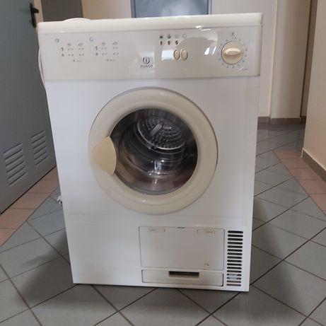 Maquina secar roupa Indesit