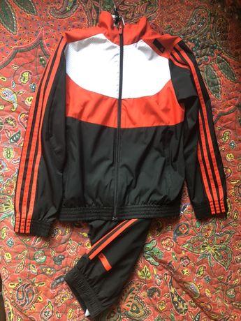 Adidas оригинал 9-10 лет