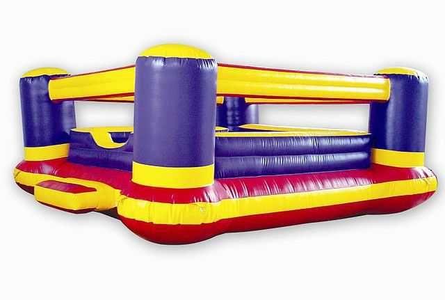 Dmuchaniec dmuchany zamek, zjeżdżalnia, ring bokserski